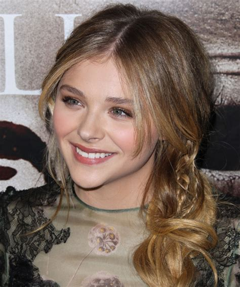 chloe grace moretz casual long curly   hairstyle
