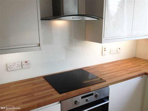 white kitchen with green glass splashback white glass splashbacks 2105