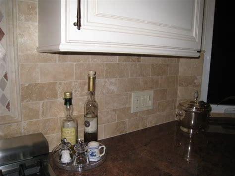 kitchen backsplash travertine travertine tile backsplash backsplash floors ceilings