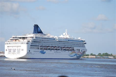 CRUISES LEAVING FROM NEW ORLEANS - CRUISES LEAVING FROM - 3 DAY CRUISES FROM MIAMI