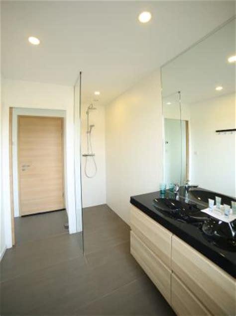 chambres d hotes carantec salle de bain privative avec wc à l 39 italienne et