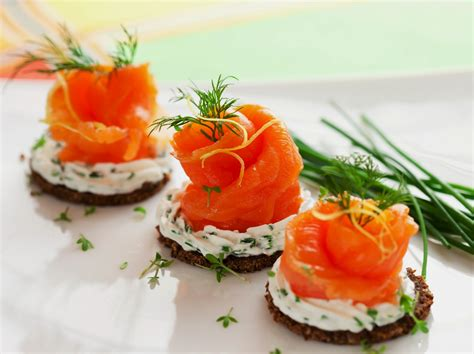 canape creme cheese smoked salmon appetizer healthy