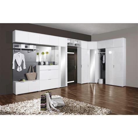 Filip janssens ontwerpt design meubelen op maat voor eetkamers, salons, keukens en badkamers. Garderoben Modern : Wandtattoo Garderobe Modern von ...