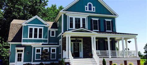 modern farmhouse   shaped porch rt