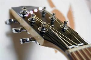 10 Best Acoustic Guitar Strings In 2020  Buying Guide