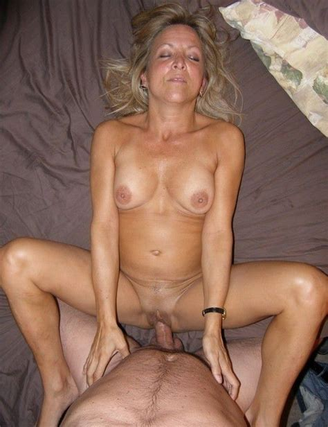 Incredible Fucking Pussy Photo With A Gorgeous Blonde Mom Porn Photo