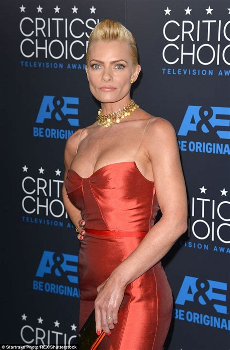 jaime pressly  laptop  jewelry stolen  break