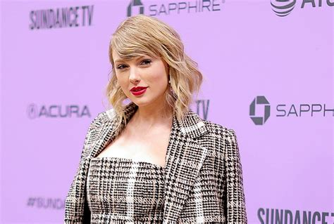 Taylor Swift appears on Good Morning America to announce ...