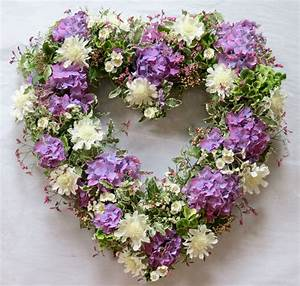 1000+ images about Wreaths on Pinterest | Floral wreaths ...