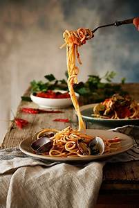 Pin by Paris on The Pizzeria* | Food photography tips, Food photo, Food photography