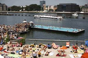 Pools In Berlin : floating swimming pool in berlin life in berlin toytown germany ~ Eleganceandgraceweddings.com Haus und Dekorationen