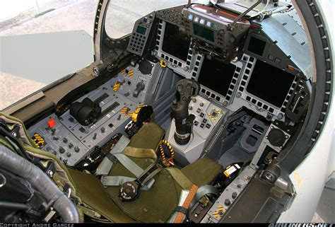 siege ejectable mirage 2000 file eurofighter cockpit int jpg wikimedia commons