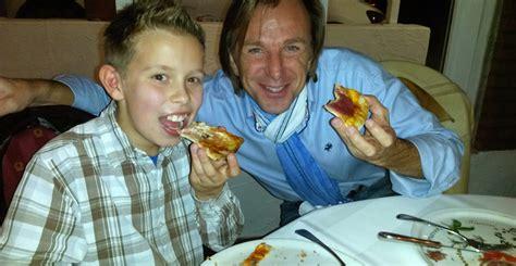 pizzaessen mit leiki junger friedberger wird von antenne