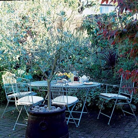 garden take a tour around a classic 1930s home