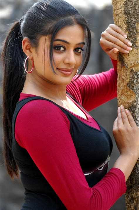 Priyamani Latest HD Wallpapers - Tollywood Official Film News