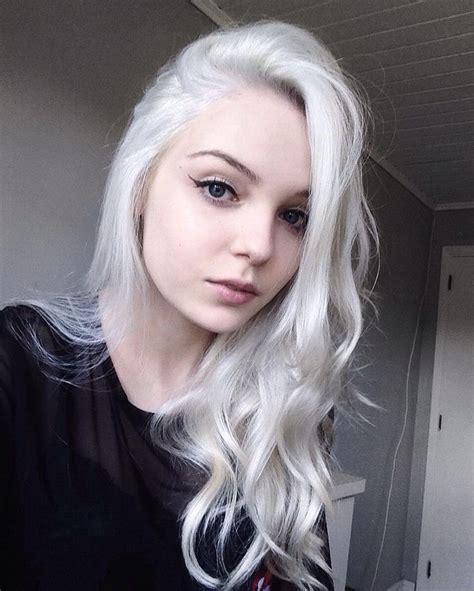 28 Inspiring Silver Hair Color Ideas Mermaid Hair
