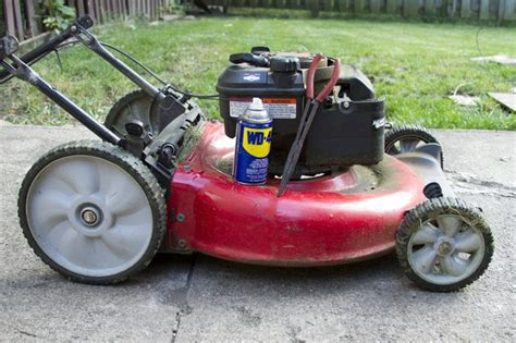 how to clean lawn mower how to clean a lawn mower engine fuel line with pictures ehow