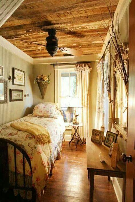 cozy vintage themed bedroom  girls home design