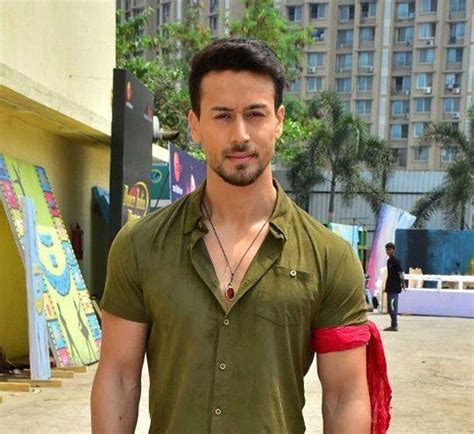 tiger shroff buys  sprawling  apartment  mumbai