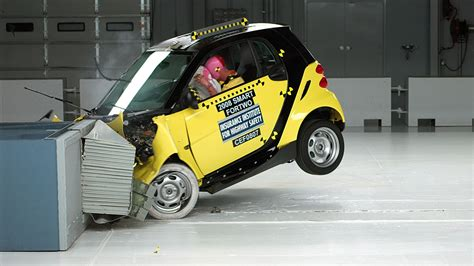 smart car earns good front side ratings