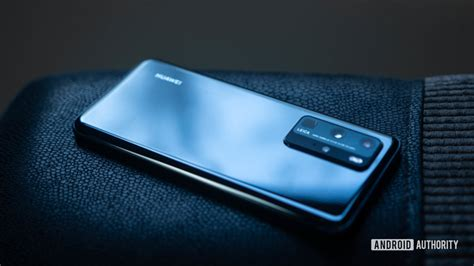 huawei p pro hands   biggest smartphone camera