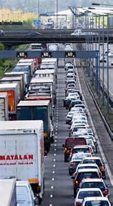 'Phantom' traffic jams that cause misery for hundreds of ...