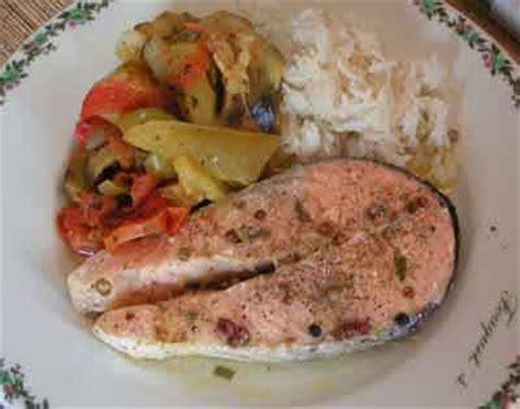 cuisiner darne de saumon recette darnes de saumon aux 5 baies 750g