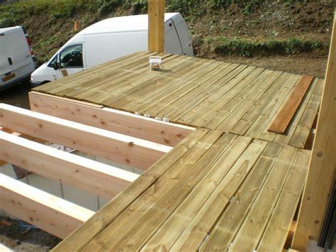 plancher bois piscine exterieur plancher bois terrasse exterieur sedgu