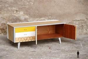 Meuble Scandinave Vintage : meuble bas tv vintage motifs graphique jaune et blanc gentlemen designers ~ Teatrodelosmanantiales.com Idées de Décoration