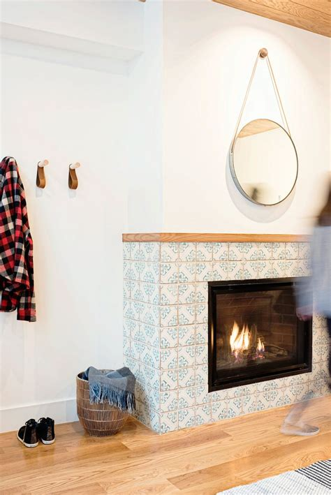 Sacks Tile Fireplace by Best 25 Tiled Fireplace Ideas On Herringbone