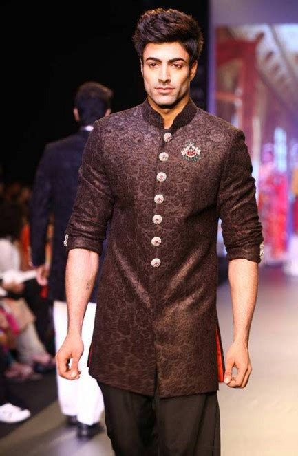 indian wedding guest outfits  men kurtas designer suits