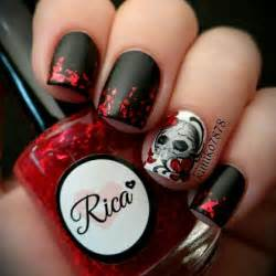 Skull black red flowers nails nailed it manicure pinte