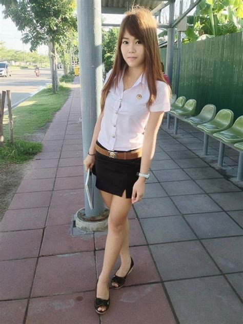160 Pictures Of Thai University Girls In Uniform