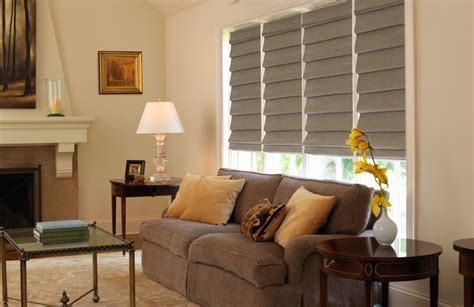 guide  living room window treatments  fort myers