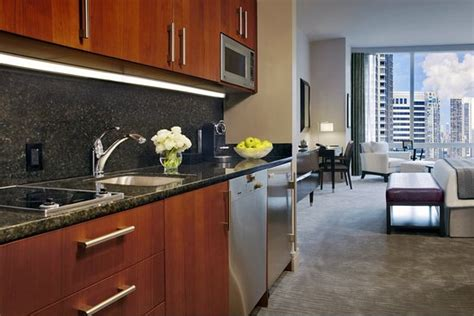 trump international hotel tower chicago updated  prices reviews il tripadvisor