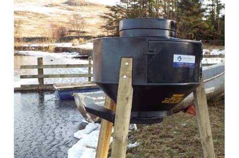 automatic fish feeder solway automatic directional fish feeder atv and
