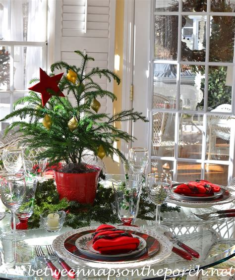 christmas table setting tablescape with spode christmas tree garland and a christmas tree napkin