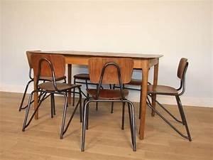 Chaise Style Industriel : chaise design industriel ~ Teatrodelosmanantiales.com Idées de Décoration