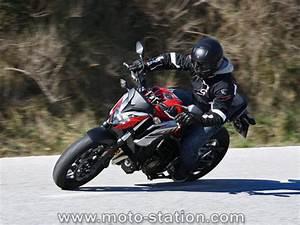 Essai Honda Cr V 2017 : essai honda cb650f cbr650f 2017 moto revue ~ Medecine-chirurgie-esthetiques.com Avis de Voitures
