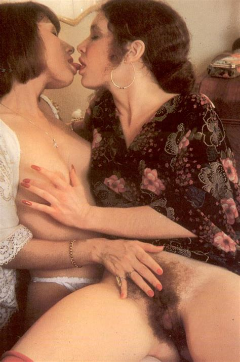 70 s lesbians jpg 529x800