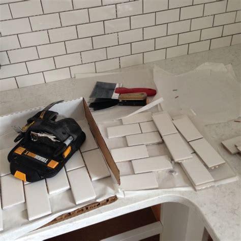 home depot backsplash for kitchen quot the backsplash is sheets of 2 215 4 inch subway tile from 7061