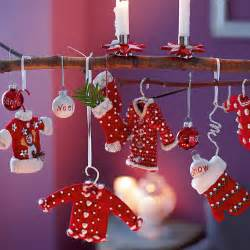 let the tradition remain intact with the typical red green decoration ideas godfather style