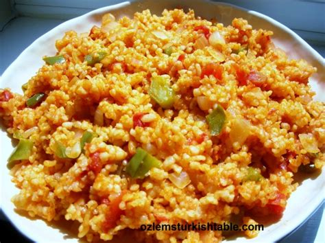 cuisine turque bulgur wheat pilaf with vegetables sebzeli bulgur pilavi