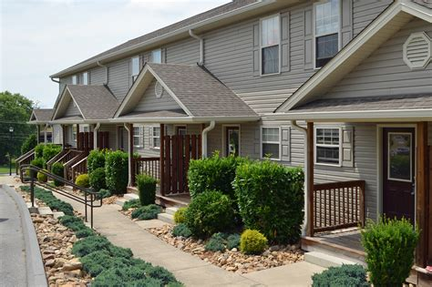 2 Br15 Bath Townhouse, Basement With Garage Wolfe