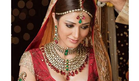 Wedding Accessories For Indian Groom : Top 5 Looks With Indian Wedding Accessories