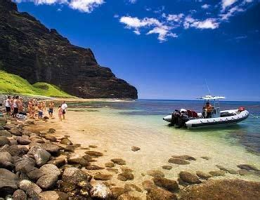 Napali Coast Boat Tours Winter by 12 Best Caribbean Honeymoons Aboard A Crewed Yacht Charter