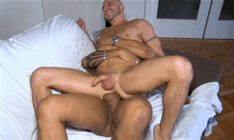Page 4 Titan Men Search Results Gay S