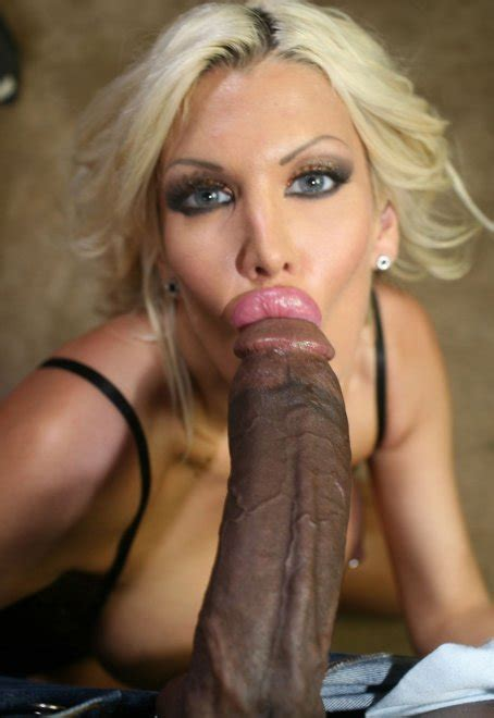 Her Lips Are Bigger Than His Head Porn Pic Eporner