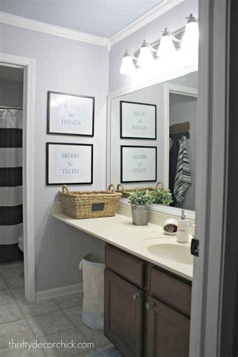 A Simple Bathroom Makeover (paint Is The Bomb!) From