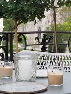 Grüner Teppich Für Balkon : gr ner stadtbalkon styling ideen f r einen kleinen balkon ~ Bigdaddyawards.com Haus und Dekorationen